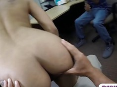 BF let the pawn guy fuck her sexy girl at the pawnshop