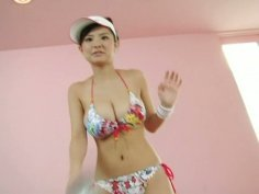 Sporty cutie Miri Hanai is a sweet and seductive chick