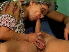 Grey haired blowlerina Mrs Jones sucks a fresh dick with delight