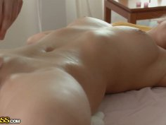 Sizzling masseur mastrubates shaved punani of Russian chic with vibrator